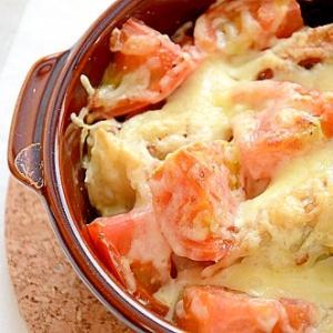 トマトでイタリアンな餃子のチーズ焼き