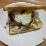食パンハンバーガーエッグサンド
