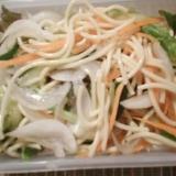 スパゲティ野菜サラダ