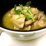 フライパンで鶏肉と玉ねぎのスープ