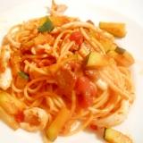 パスタソースで♪ ズッキーニとイカのトマトパスタ