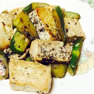 豆腐と胡瓜のニンニクマヨ炒め❤︎