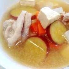 豚肉とさつまいもと豆腐の味噌汁