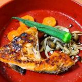 マジックソルトで簡単☆鮭かまのハーブ焼き