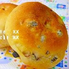 ブラックオリーブとセミドライトマトのパン