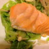 白菜とえのきと鮭のバター蒸し