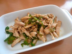 楽チン弁当レシピ☆蒸し鶏とピーマンのオイスター炒め