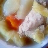 野菜とチキンのスープ