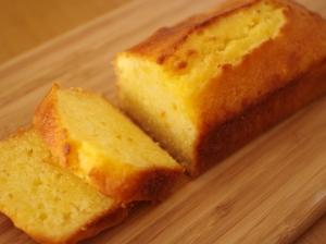 パウンド生地の簡単しっとりオレンジケーキ