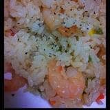 簡単美味♪炊飯器で海老ピラフ