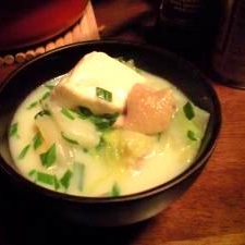 短時間で鶏肉柔らか~水炊きと温泉湯豆腐コラボ鍋♪