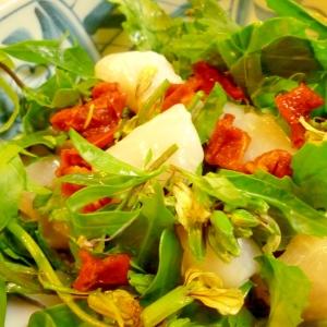 ルッコラとホタテとドライトマトのサラダ