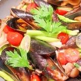 【超簡単】牡蠣醤油で絶品♪ムール貝のアクアパッツァ
