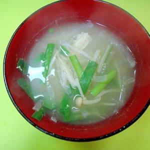 大根とニラえのきの味噌汁