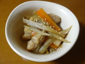 お弁当にも!鶏肉と根菜のきんぴら