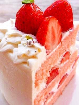 ピンクのショートケーキ