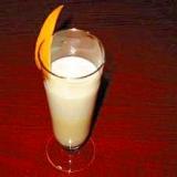 焼酎の豆乳オレンジジュースシェイク(泡を楽しむ)