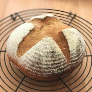 全粒粉入り田舎パン