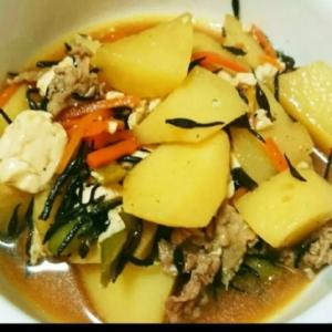 栄養満点!豆腐肉じゃが!