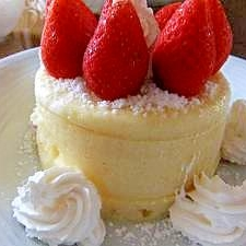 レンジでイチゴケーキ