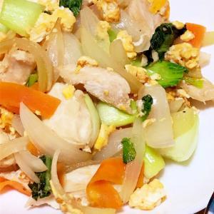 鶏ささみと玉ねぎと卵の塩だれ炒め