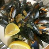 ムール貝のにんにくワイン蒸し