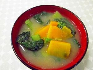 冬にほっこり*かぼちゃと雪菜のごまみそ汁*