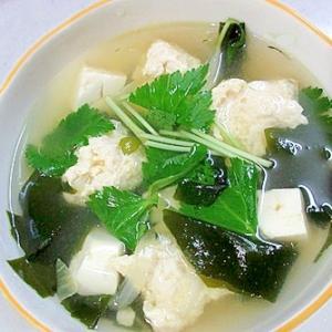 鶏団子入りのボリュームスープ