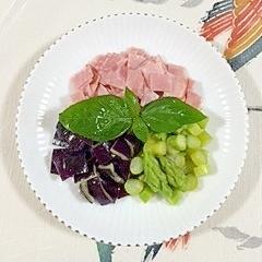 アナスタシアとアスパラのサラダ