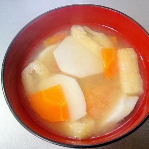里芋とにんじん油揚げの味噌汁