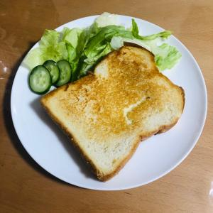 フライパンで簡単!はちみつチーズトースト♪