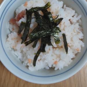 海苔と梅干し鮭混ぜご飯