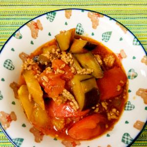 ひき肉とトマトとナスのケチャップソース煮