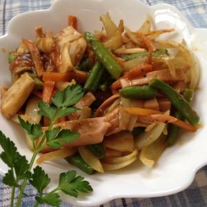 残ったカレーdeエリンギと野菜カレー炒め♪