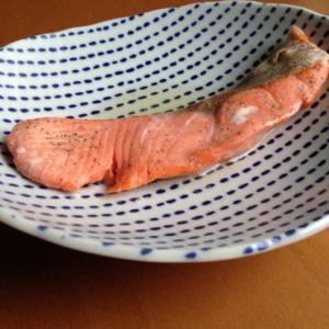 レンジで簡単♪鮭の塩麹蒸し