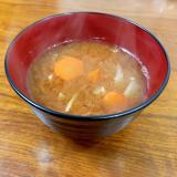 人参・玉ねぎ・大根おろしの味噌汁