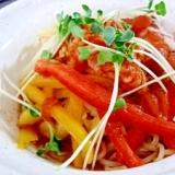 豚肉とパプリカのトマト味サラダ冷麺