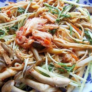 発酵食品5分❤きのこ2種の炒め物♪(キムチ&塩麹)