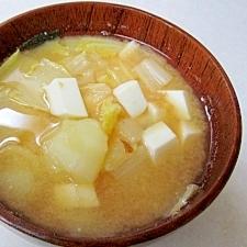 じゃがいもと白菜の味噌汁