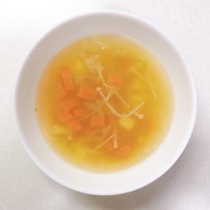 セロリとはるさめの野菜スープ