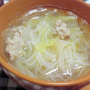 ビーフンを入れた中華スープ