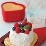 [ル・クルーゼ公式] いちごとベリーのケーキ