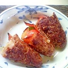挽き肉のベーコン・トマト巻きガーリック風味