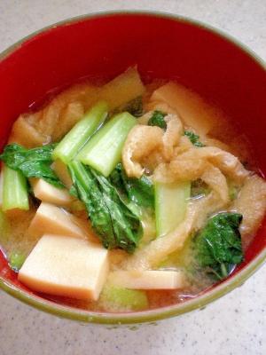 食べ応え十分!高野豆腐入り小松菜味噌汁