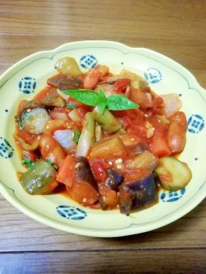 ヘルシー!夏野菜のトマト煮込み