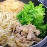 鍋キューブで☆鶏肉とマロニーの寄せ鍋