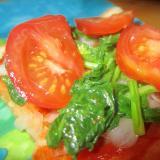 トマトと新玉葱とほうれん草ピザトースト