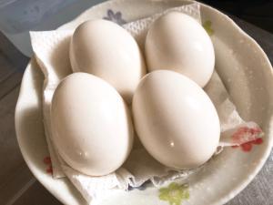 *コンビニ風・殻付き塩味ゆで卵*
