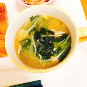 【糖質制限】大豆もやしと舞茸のロカボ味噌スープ