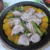 タジン鍋(豚肉の油だけで美味しくなります。)